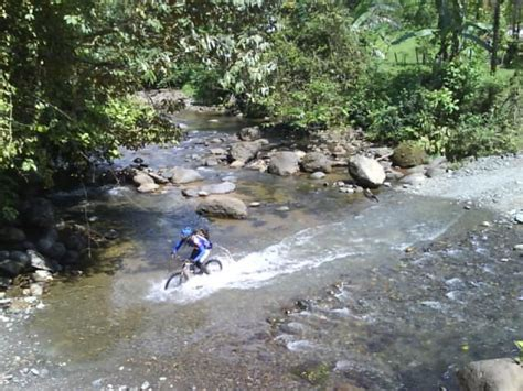 This is one of the rivers on the ride Chespi-Quepos