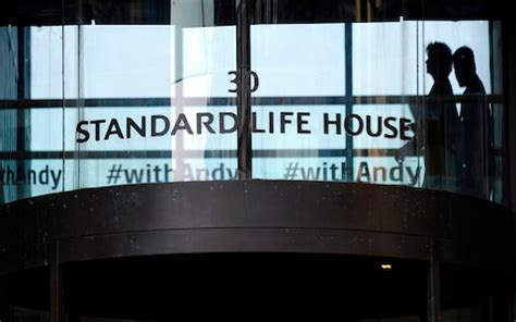 Phoenix unveils £950m rights issue to fund Standard Life