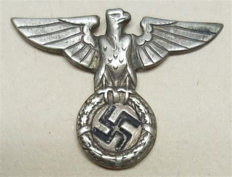 POLITICAL CAP BADGE - PATTERN 1927 - WORN BY THE NAZI
