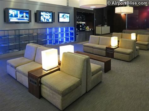 Lounge Review: British Airways Arrivals Lounge at London