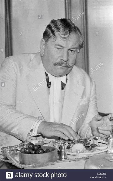 Peter Ustinov Black and White Stock Photos & Images - Alamy