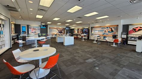 AT&T Store - Colonnade – iPhone SE w/ Curbside Pickup