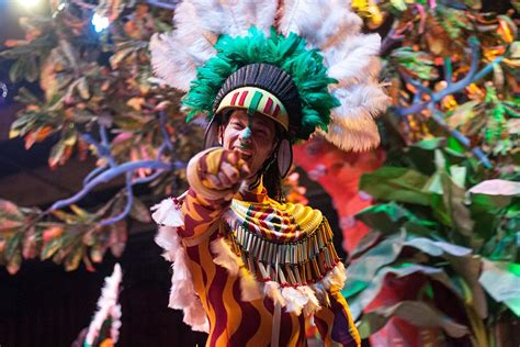 Backpacking Rio Carnival Without Going Completely Broke