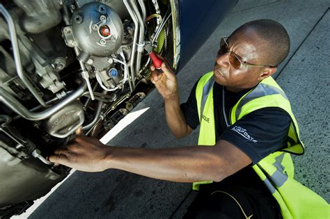 Europe Airpost's aircraft technician | ASL Airlines France
