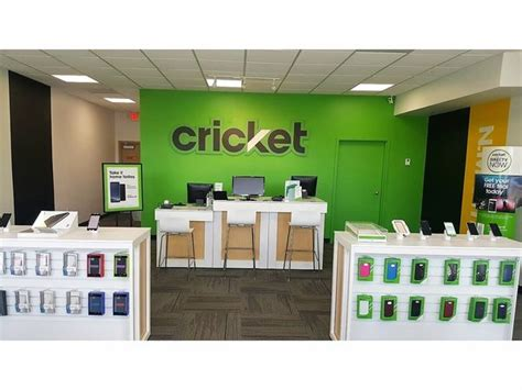 AT&T Boosts Miami Presence With New Cricket Stores