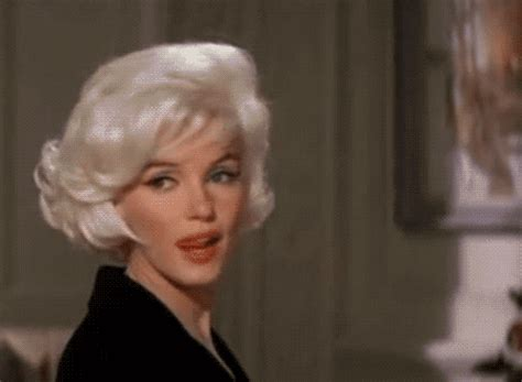 Sexy Marilyn Monroe GIF - Find & Share on GIPHY
