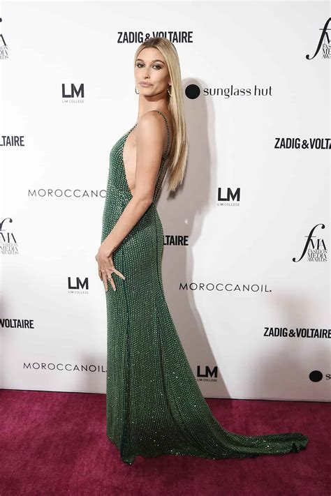 31 Best Red Carpet Looks From the 2018 Fashion Media Awards
