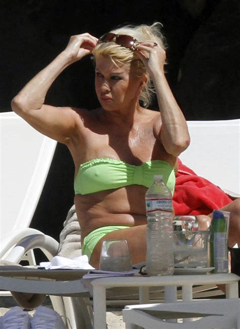 Ivana Trump - Ivana Trump Photos - Ivana Trump Shows Her